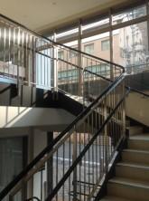 店舗への直接階段